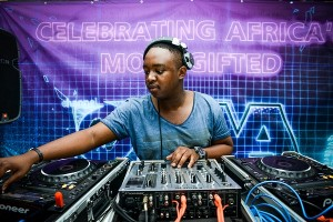 Shimza - Live from Cafe Del Mar Ibiza (August 23 2018)