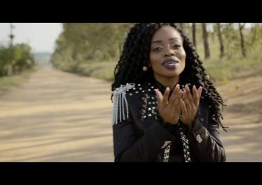 Master KG - Skeleton Move [Feat. Zanda Zakuza] (Official Music Video) 1 tegory%